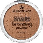 Essence Sun Club Matt Bronzing Powder Brunettes/Darker Skin 02