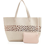 ULTAFREE spring bag w/any $40 fragrance purchase