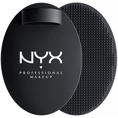 Nyx Cosmetics On The Spot%21 Brush Cleansing Pad