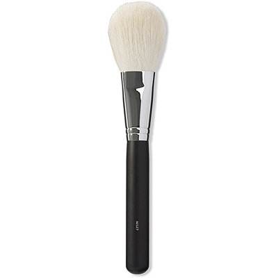 M527 Deluxe Pointed Powder Brush