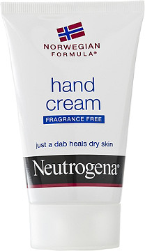 handcream Neutrogena. things you cannot miss in you backpack for a gap year